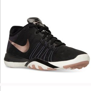 Nike Free Tr 6 Black & Rose Gold Size 11